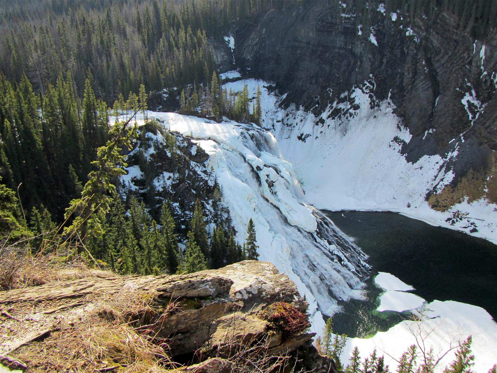 Kinuseo Falls in Winter